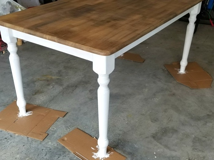 DIY Rustic Farmhouse Table painting