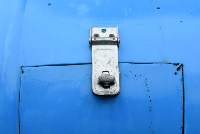 compost tumbler door latch